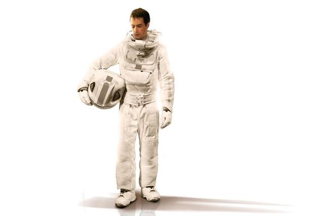 Sam Rockwell é Sam Bell. E Sam Bell vai ter que encarar a si próprio na Lua